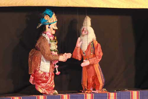 Dasharatha, Rama's father, and Vishwamitra, a rishi