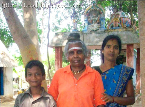 Maheshwari with her daughter-in-law and grandson