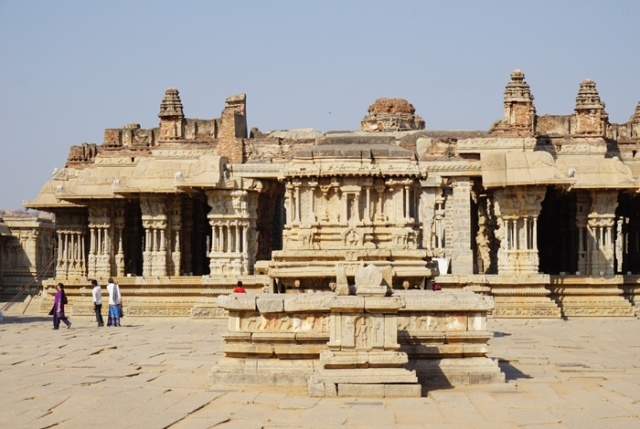 1 Vitthala Temple with musical pillars.jpg