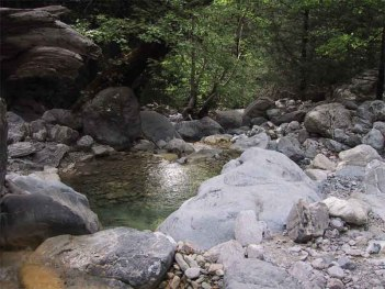 The-river-crossing-Samaria-Gorge.jpg